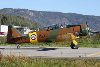 LN-WNH - Private North American Harvard/Texan (AT-6, 16, SNJ series)
