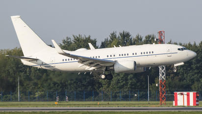 20042 - USA - Air Force Boeing 737-700 BBJ