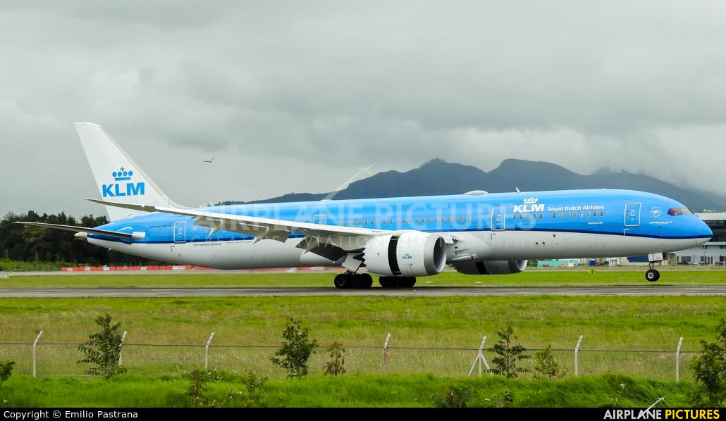KLM PH-BHM aircraft at Bogotá - Eldorado Intl