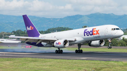 N936FD - FedEx Federal Express Boeing 757-223(SF)