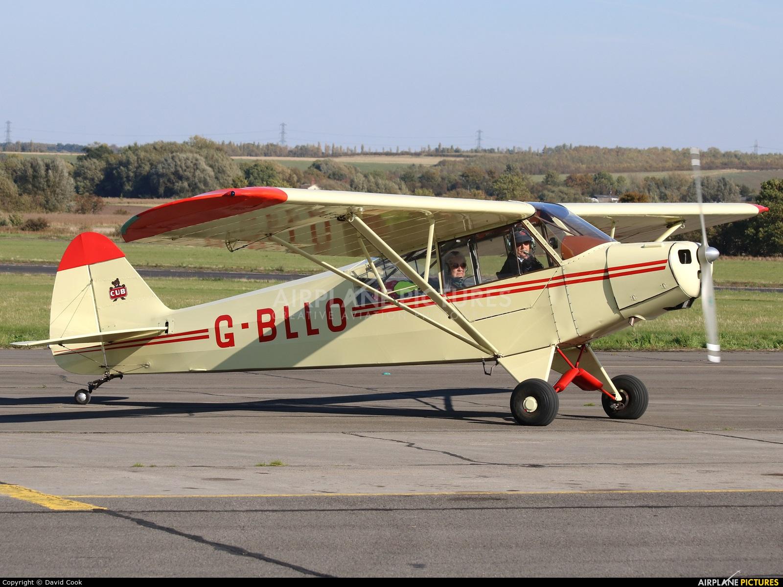 Private G-BLLO aircraft at Tollerton