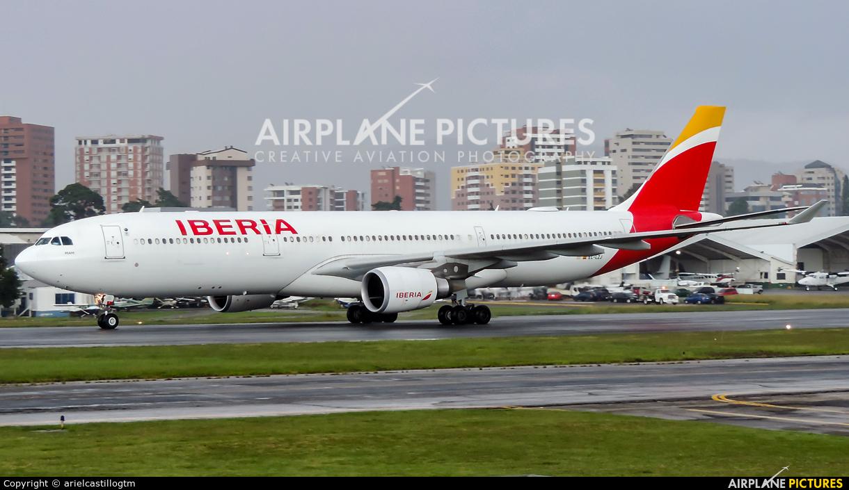 Iberia EC-LZJ aircraft at Guatemala - La Aurora