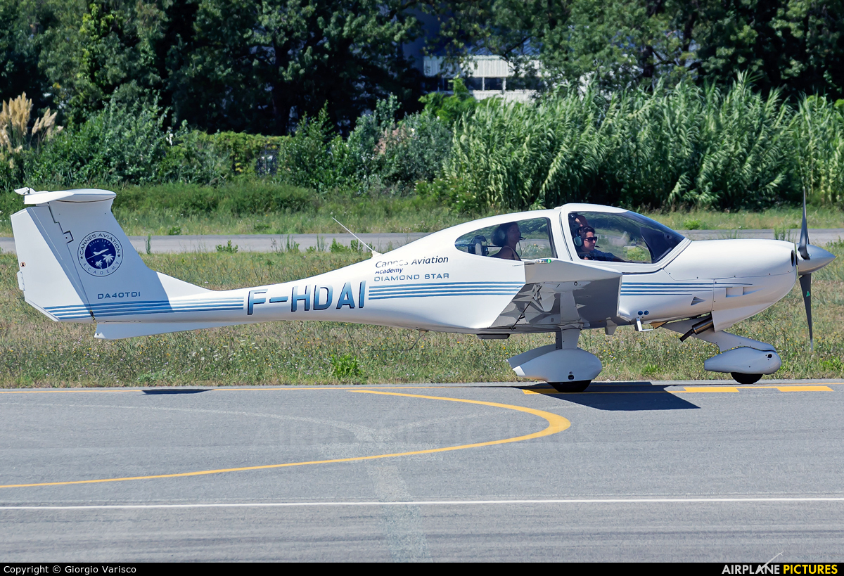 Private F-HDAI aircraft at Cannes - Mandelieu