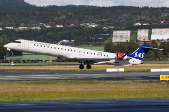 EI-FPX - SAS - Scandinavian Airlines (CityJet) Canadair CL-600 CRJ-900
