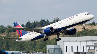N654DL - Delta Air Lines Boeing 757-200