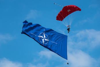 - - - Airport Overview Parachute Parachutist