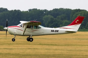 HA-DIK - Private Cessna 182 Skylane (all models except RG)