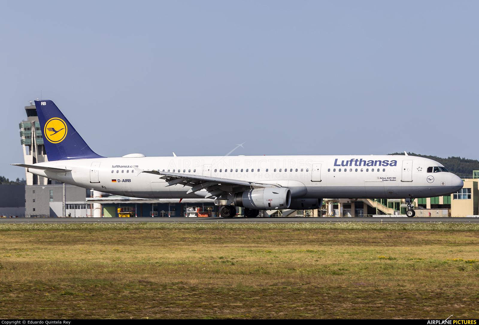 Lufthansa D-AIRB aircraft at Santiago de Compostela