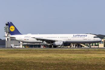 D-AIRB - Lufthansa Airbus A321