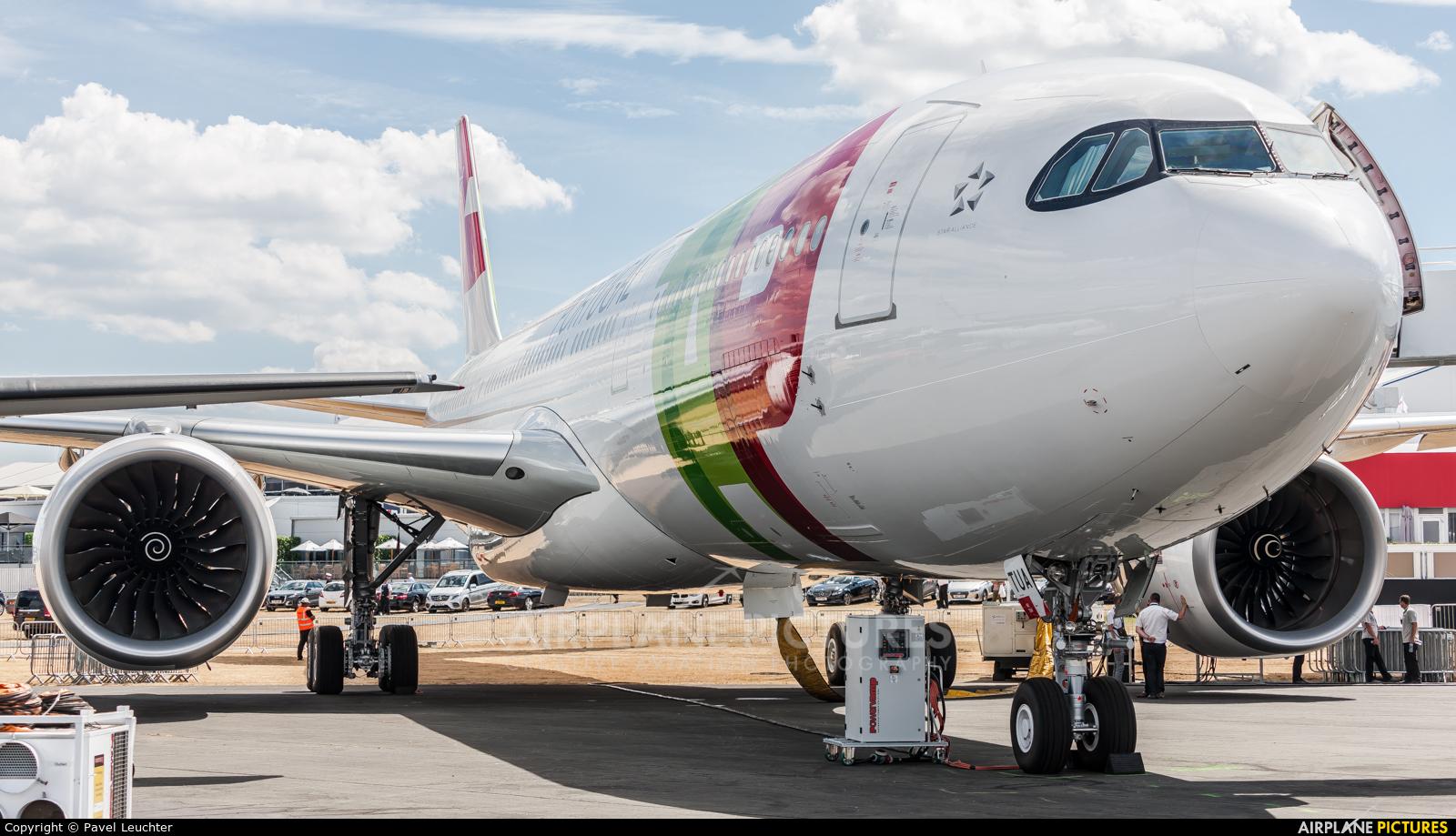 TAP Portugal CS-TUA aircraft at Farnborough