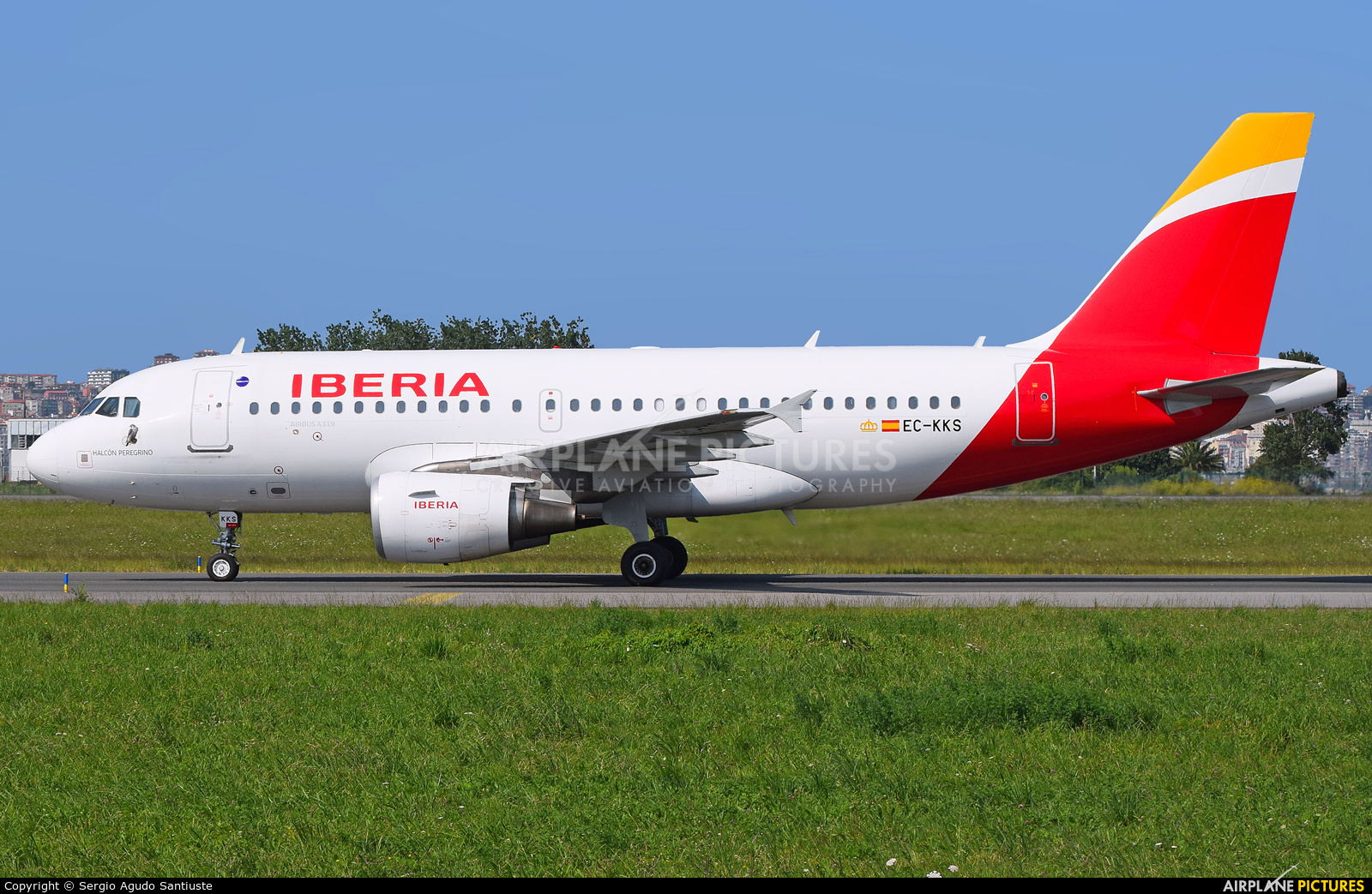 Iberia EC-KKS aircraft at Santander