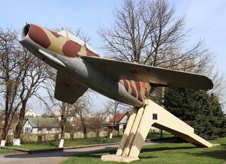 04 - Belarus - Air Force Mikoyan-Gurevich MiG-15 UTI