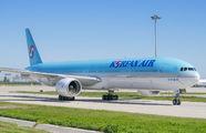 HL7533 - Korean Air Boeing 777-300 aircraft