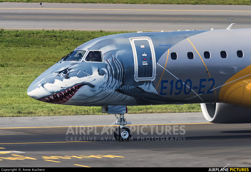 Embraer PR-ZGQ aircraft at Warsaw - Frederic Chopin