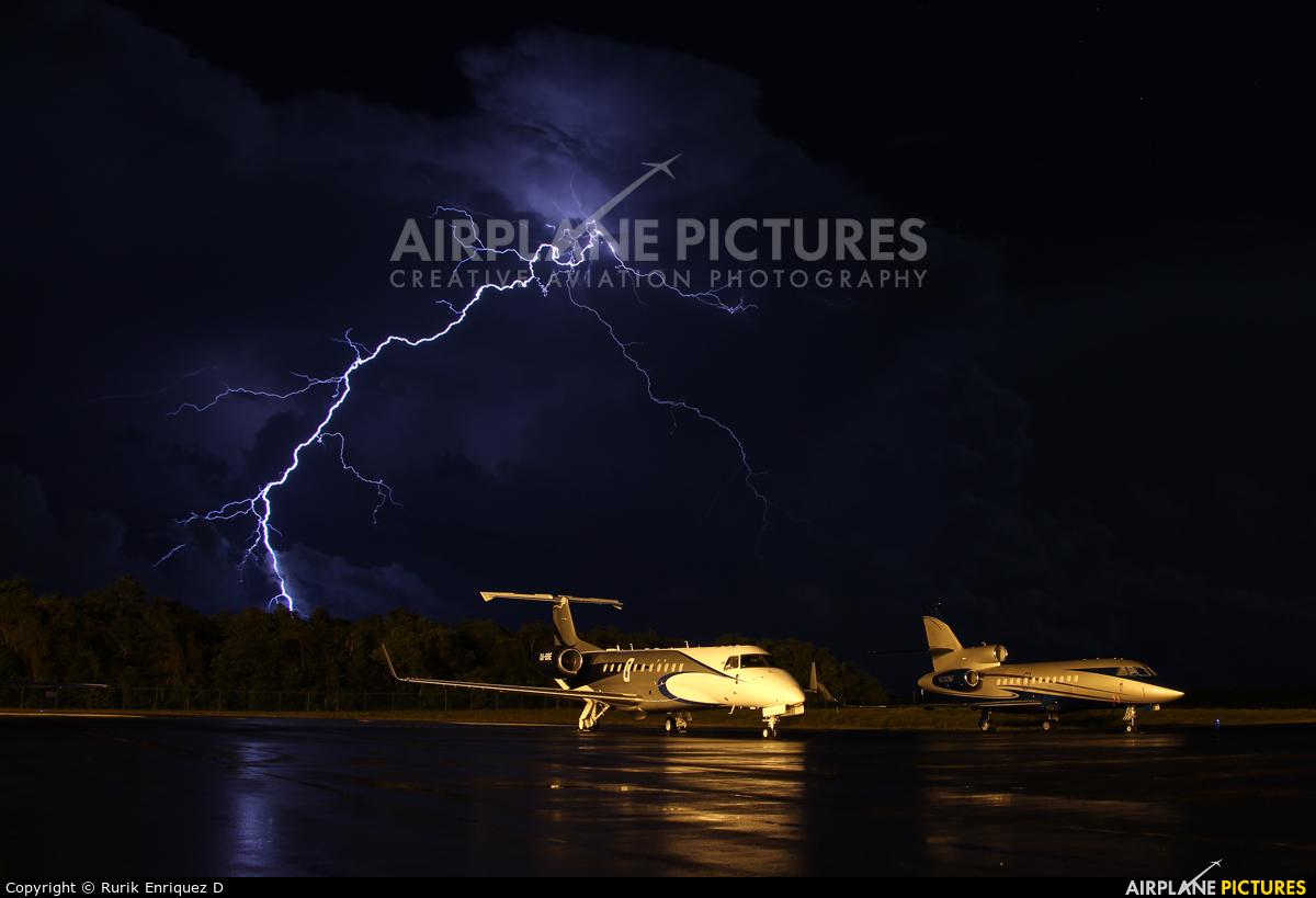 Private XA-SSE aircraft at Cancun Intl