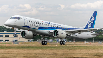 JA23MJ - ANA - All Nippon Airways Mitsubishi MRJ90