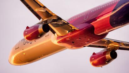HA-LXK - Wizz Air Airbus A321