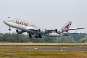 Emir of Qatar arrived to Berlin for Economic Conference title=
