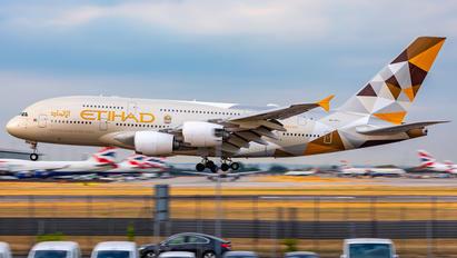 A6-APJ - Etihad Airways Airbus A380