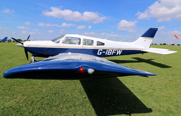 G-IBFW - Private Piper PA-28R-201 Arrow III