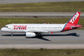 PR-MBT - TAM Airbus A320