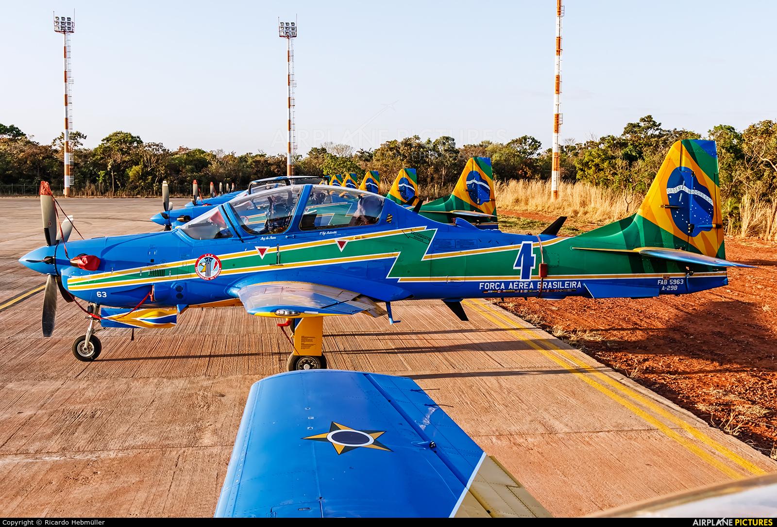 "Brazil - Air Force ""Esquadrilha da Fumaça"" 5963 aircraft at Brasília - Presidente Juscelino Kubitschek Intl"