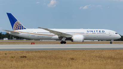 N26966 - United Airlines Boeing 787-9 Dreamliner