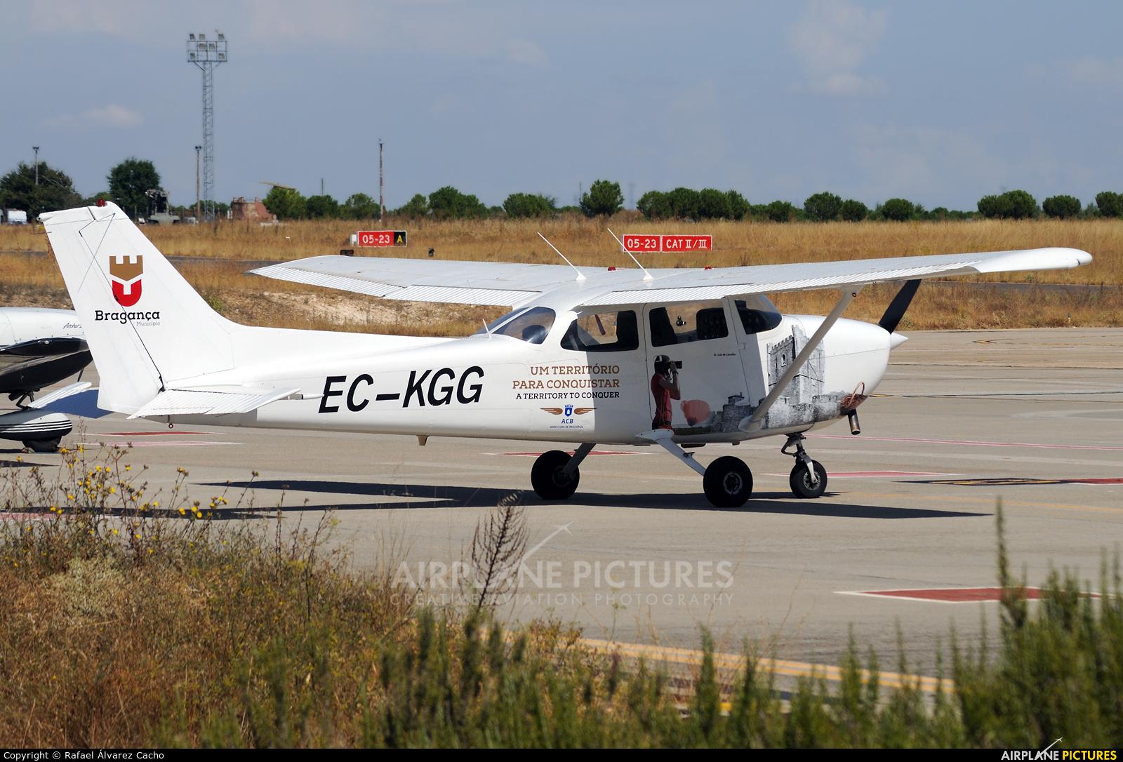 Aero Clube de Bragança EC-KGG aircraft at Valladolid - Villanubla