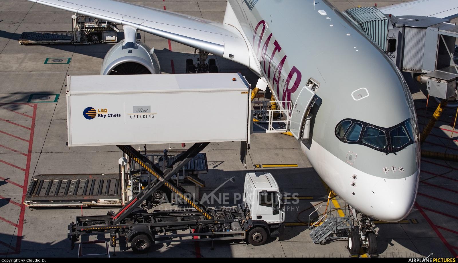 Qatar Airways A7-ALR aircraft at Zurich