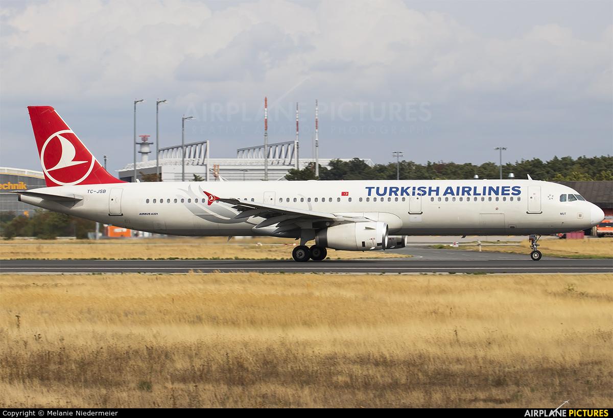Turkish Airlines TC-JSB aircraft at Frankfurt