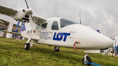 SP-LFA - LOT Flight Academy Tecnam P2006T