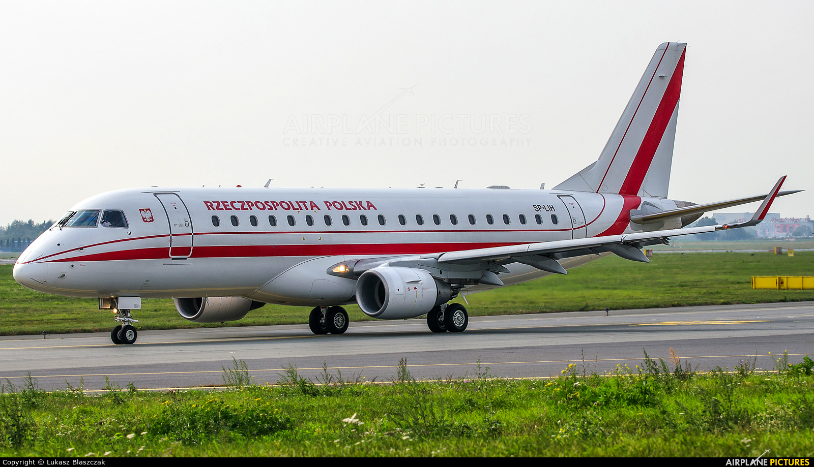 Poland - Government SP-LIH aircraft at Warsaw - Frederic Chopin