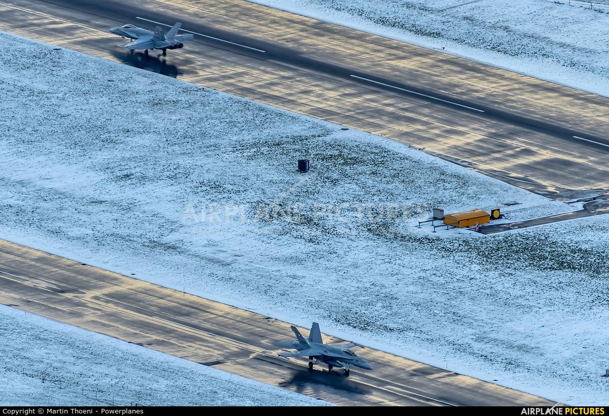 - Airport Overview J-5021 aircraft at Meiringen