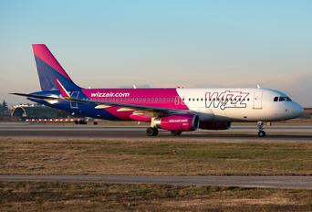 G-WUKF - Wizz Air UK Airbus A320