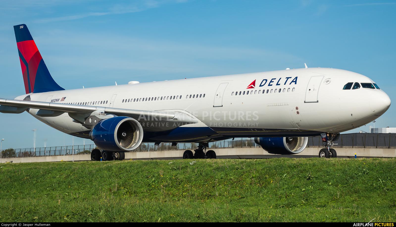 Delta Air Lines N812NW aircraft at Amsterdam - Schiphol