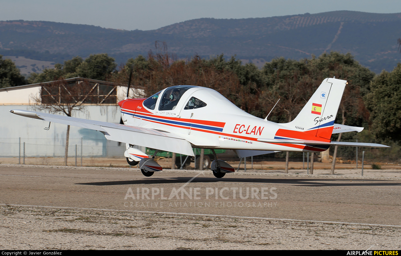 Private EC-LAN aircraft at Aeródromo de Beas de Segura