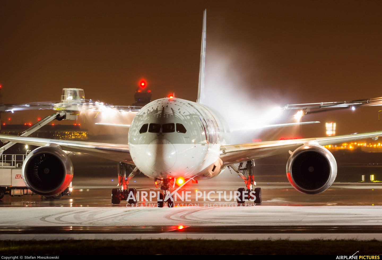 Qatar Airways A7-BCP aircraft at Warsaw - Frederic Chopin