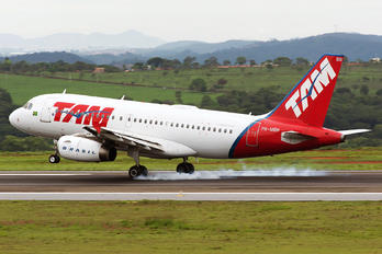 PR-MBN - TAM Airbus A319