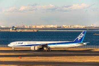 JA784A - ANA - All Nippon Airways Boeing 777-300ER
