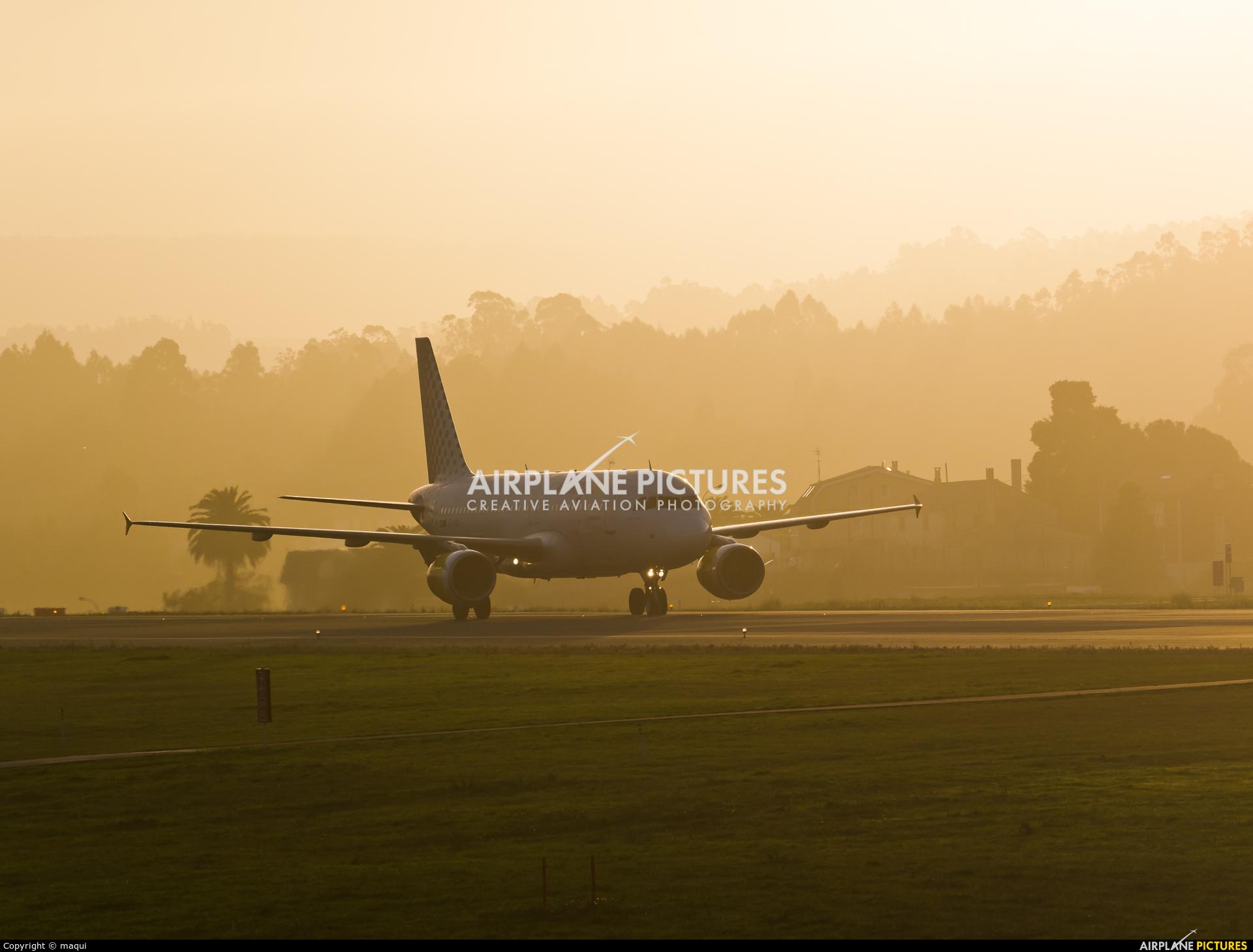 Vueling Airlines EC-KDG aircraft at La Coruña
