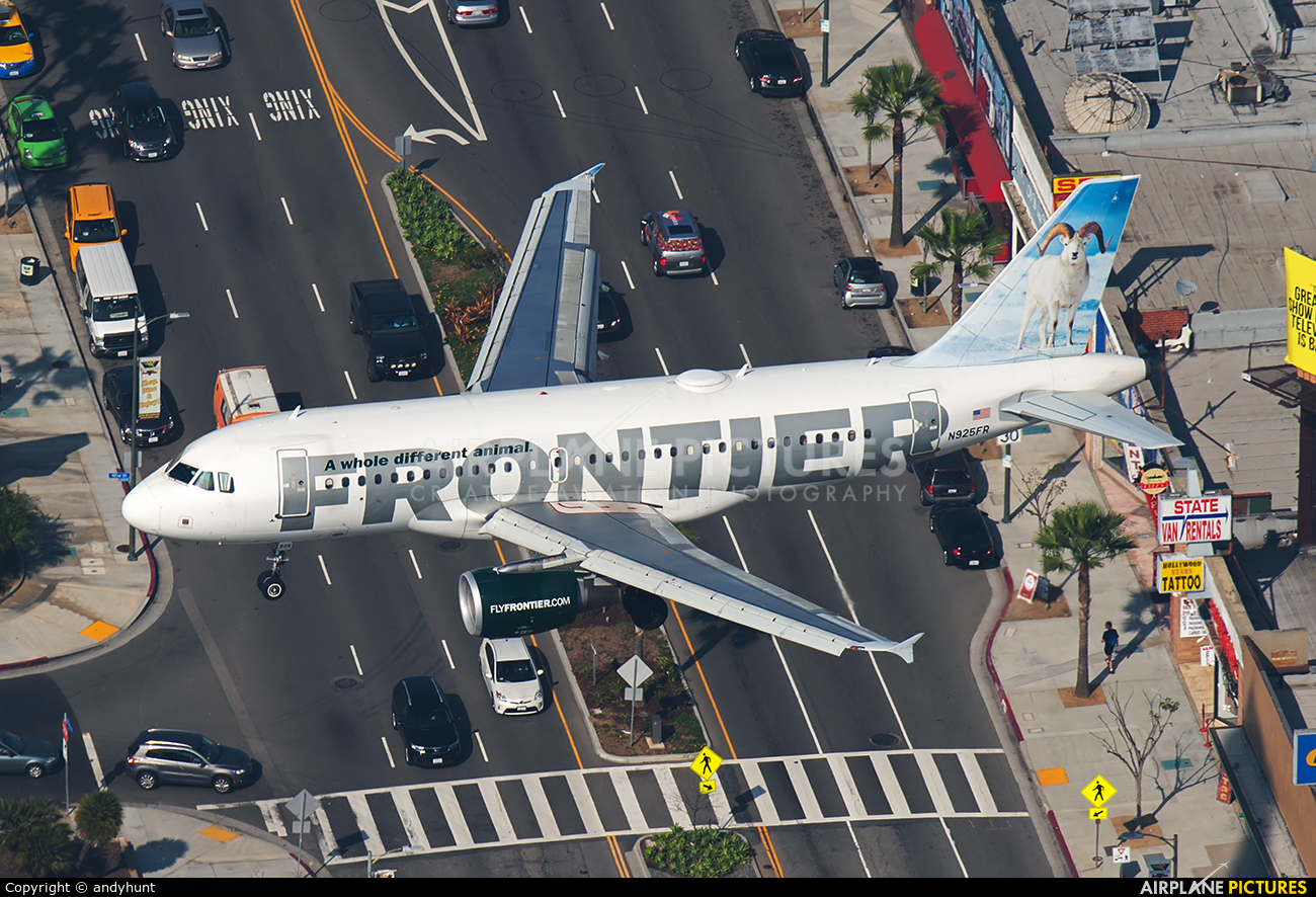 Frontier Airlines N925FR aircraft at Los Angeles Intl