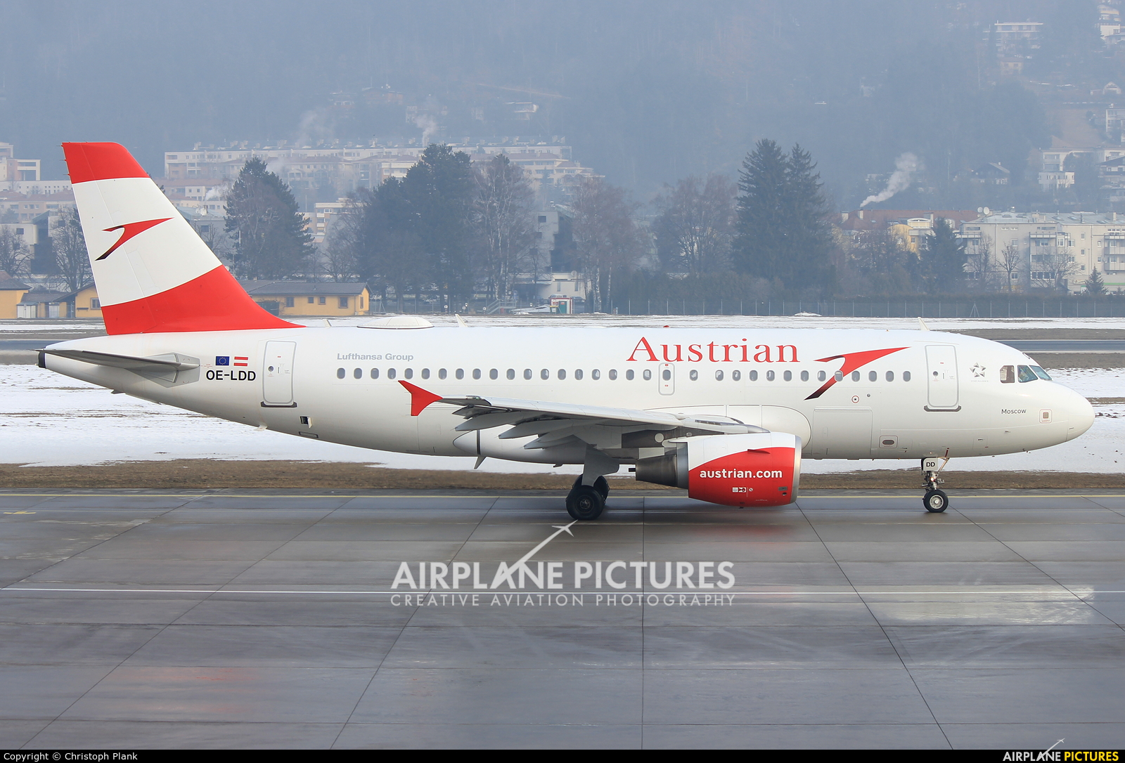 Austrian Airlines/Arrows/Tyrolean OE-LDD aircraft at Innsbruck