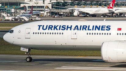 TC-LJE - Turkish Airlines Boeing 777-300ER