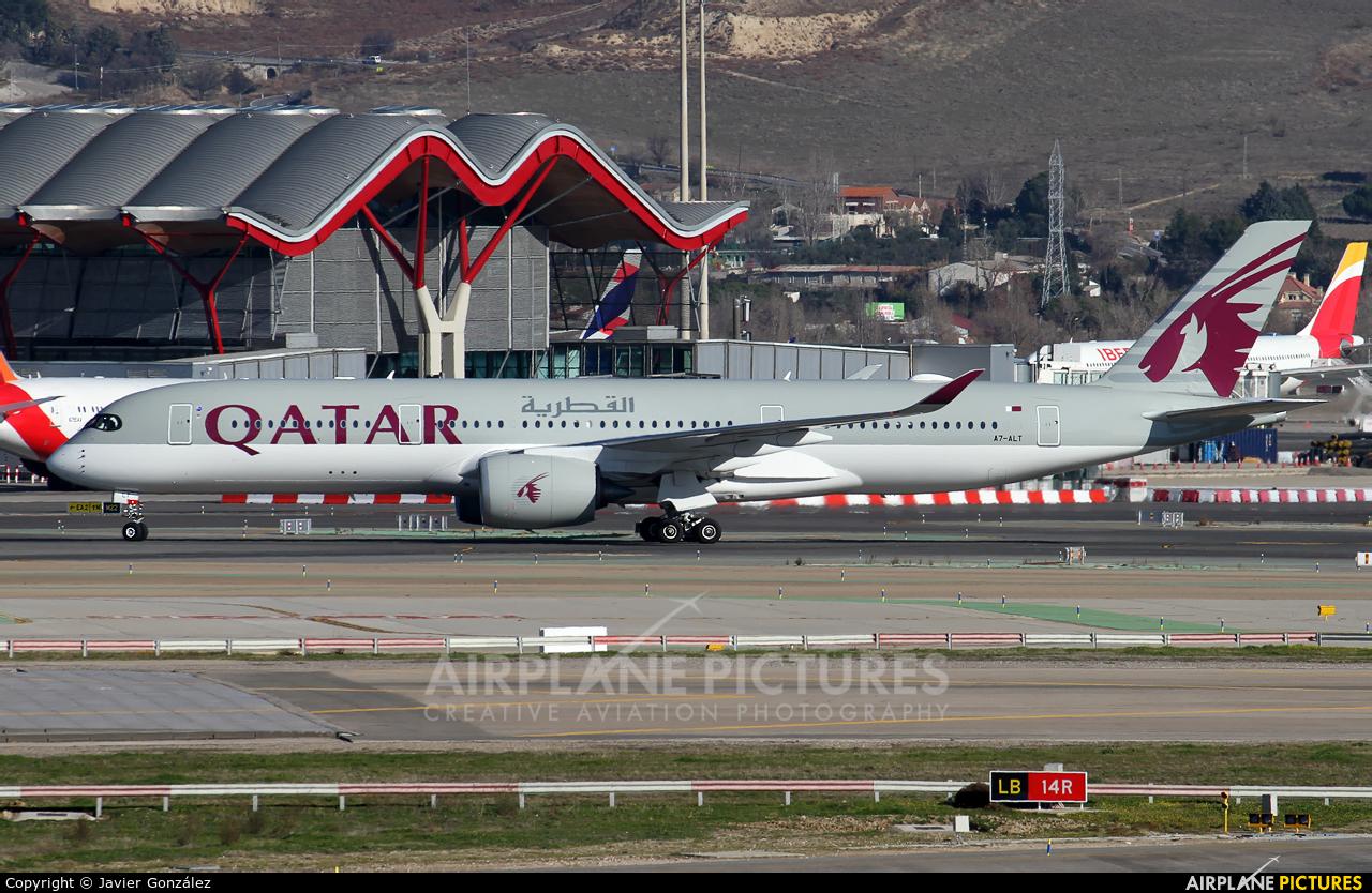 Qatar Airways A7-ALT aircraft at Madrid - Barajas