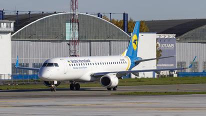 UR-EMD - Ukraine International Airlines Embraer ERJ-190 (190-100)