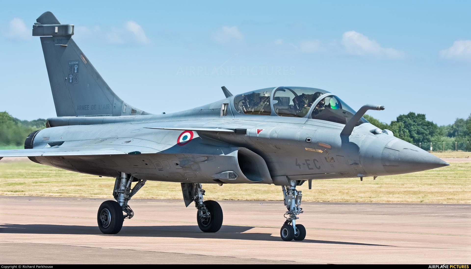 France - Air Force 305 aircraft at Fairford