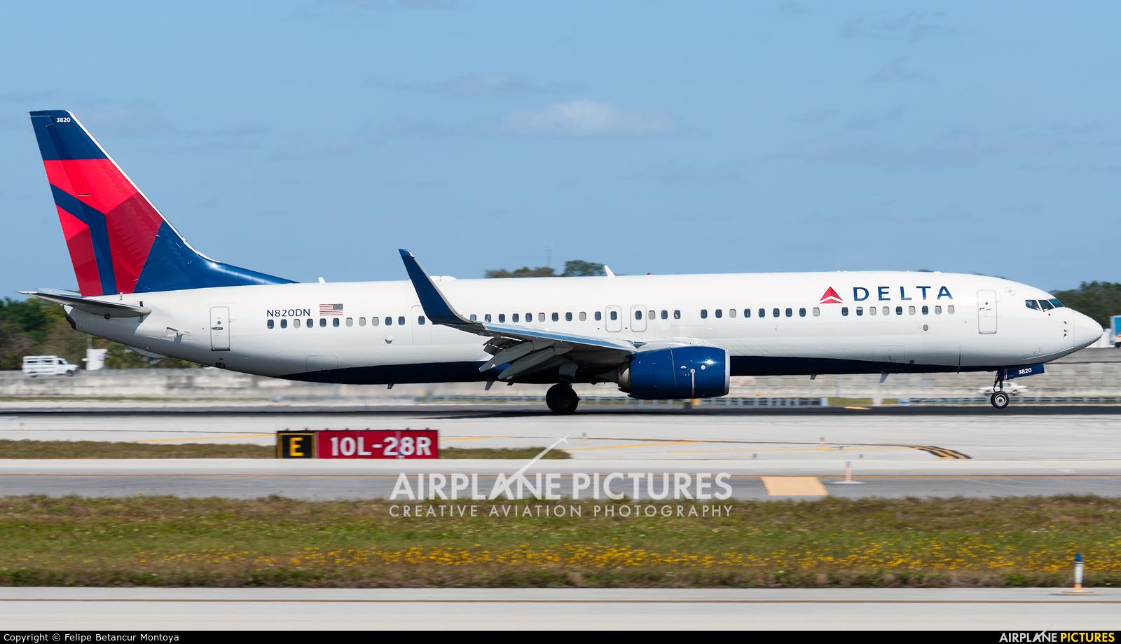 Delta Air Lines N820DN aircraft at Fort Lauderdale - Hollywood Intl