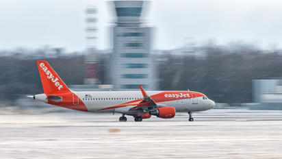 OE-IVR - easyJet Europe Airbus A320