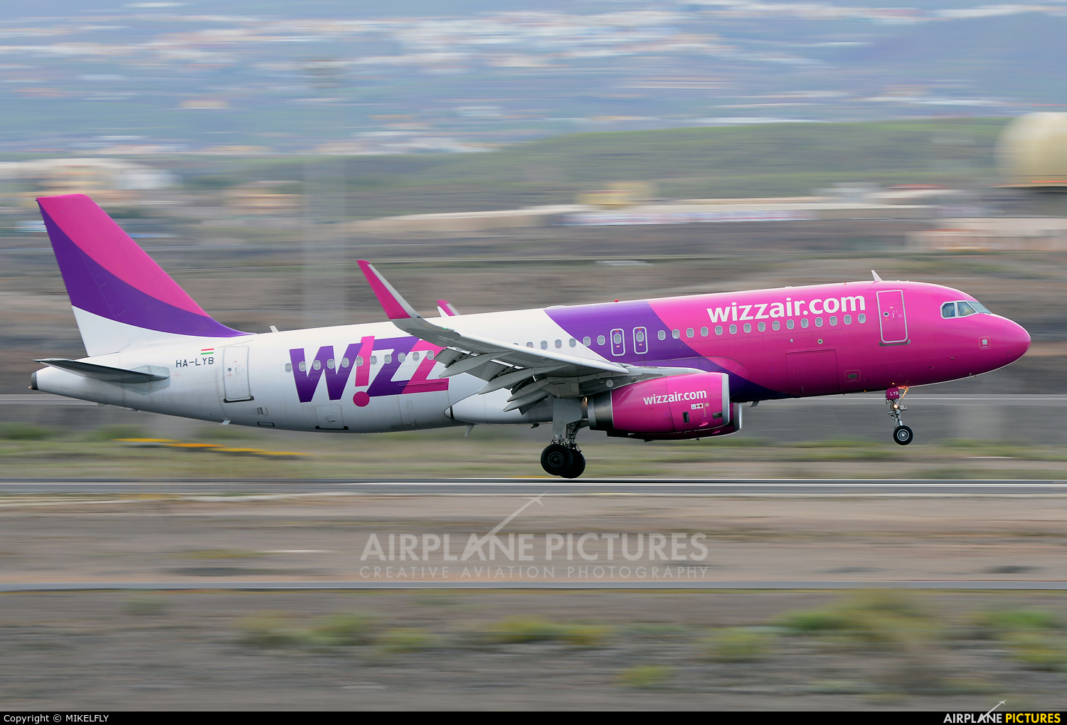 Wizz Air HA-LYB aircraft at Tenerife Sur - Reina Sofia