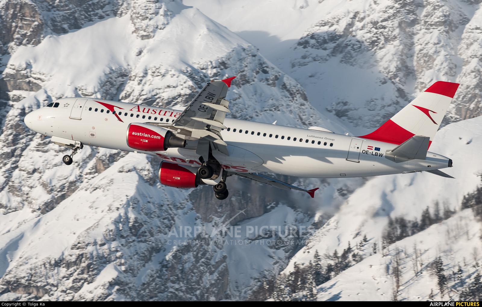 Austrian Airlines/Arrows/Tyrolean OE-LBW aircraft at Innsbruck